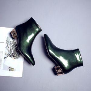 2018 أشار اصبع القدم النساء أحذية السيدات قصيرة أحذية الكاحل الغربية كاوبوي أحذية كبيرة الحجم المطاط أحذية المطر