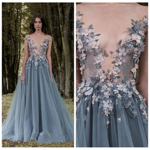 2018 Sheer Lace 3D Blume Applique Celebrity Kleider mit kurzen Ärmeln Grau A Line Prom Dresses Pailletten Perlen Tüll bodenlangen Abendgarderobe