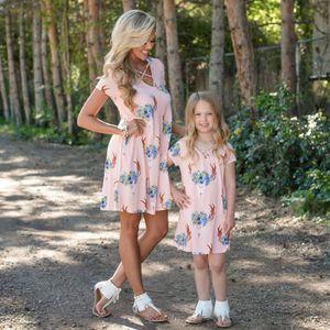 Été Populaire Vêtements Pour Enfants Femmes Enfants Fille Famille Assortir Des Tenues Mère Robe De Fille Doux Confortable En Mousseline De Soie Floral Dresse