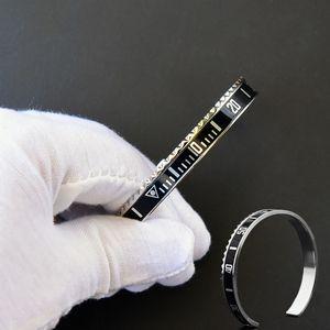 12 colores de los hombres de moda de lujo reloj estilo velocímetro Cuff alta calidad de acero inoxidable moda Hip hop brazalete pulseras para mujeres