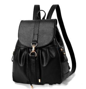 Business Casual Metall Haken PU Leder Rucksack Damen Designer Rucksäcke schwarz Rucksack Rucksack Handtaschen für Mädchen