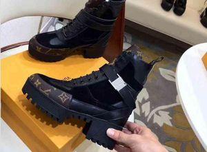 Chaussures de luxe bottines d'hiver de marque mode 2018 pour femmes en cuir et semelles robustes talon antidérapant Martin bottes bottes tactiques