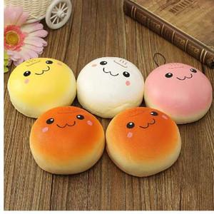 2 Pcs 10 cm marshmallow bun Kawaii squishy Jumbo encantos do telefone Squishy Bag Pingentes Brinquedo Do Bebê Telefone Tiras para Decoração Celular