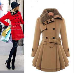 Große Größen-Frauen nehmen langen Hülsen-Mantel zweireiher Mantel-starken Mantel + Gurt ab