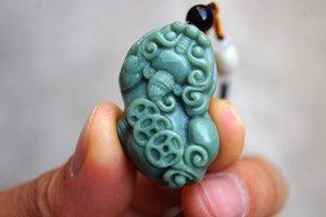 Consegna gratuita - bellissima giada (dongling stone) (amuleto). Pendente per collana Pixiu con collana pixiu intagliata a mano.