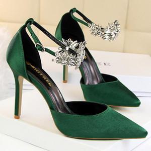 Mujeres elegancia correa de tobillo rhinestone sandalias de satén señora punta estrecha zapatos de tacón alto vestido de partido femenino bombas zapatos de cristal