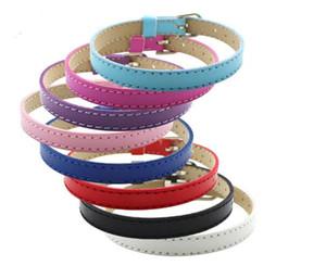 10 colores de la venta caliente 20 UNIDS / lote 8 MM de Cuero Artificial Pulseras de Pulsera de BRICOLAJE femme Mix Color Charms Pulsera de Cuero Fit Slide encantos de la letra
