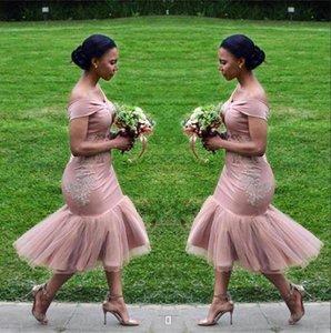 De l'épaule robes de demoiselle d'honneur africaine Satin Tulle Applique dentelle gaine thé longueur demoiselle d'honneur Invité de mariage Robes BA9508