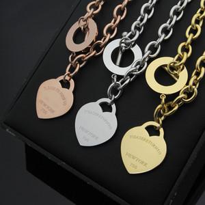 Nuevas mujeres de lujo de acero inoxidable de acero inoxidable de la cadena T corazón colgante encantos collar de oro plata rosa oro alta calidad