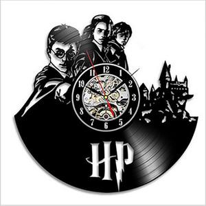 ساعة الحائط هاري بوتر الفن الفينيل سجل على مدار الساعة الفينيل الإبداعية نمط خمر الجوف الرئيسية ساعة الحائط ديكور