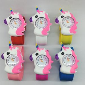 Nuevo Dibujos animados en 3D Unicornio Bofetada reloj niños niños Niños niñas Unicornio Goma Reloj de pulsera Niños bofetada reloj Regalo Fiesta Niños Relojes