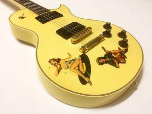 Personnalisé Sex Pistols Steve Jones Cream Antique Yellow Guitare électrique Matériel d'or, autocollants Rétro filles, perle de diamant de Split Logo Headstock