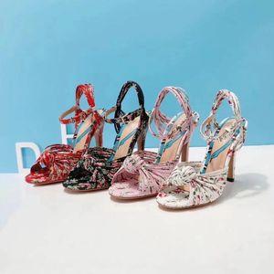 Лето роскошные женские сандалии Riband металла печати украшения Peep Toes лодыжки ремень коренастый пятки обувь партия Сексуальная мода Женская обувь