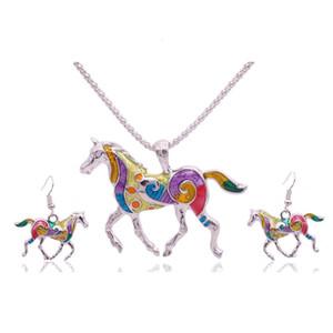 1 takım (NecklaceEarring) Moda Damla Yağ Atlar Asmak Kolye Neckace Küpe etnik gümrük Kadınlar Kız Için Renkli Kolye Küpe