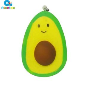 7 * 10 * 4 cm Suave Jumbo Simulación Aguacate Squeeze Keychain Charm Slow Rising PU Fruit Kids Doll Juguetes Squeeze regalos