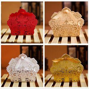 Laser Cut Hohle Spitze Blume Weißgold Rot Pralinenschachtel Hochzeit Süßigkeiten Süßigkeiten Geschenk Favor Favors Boxen