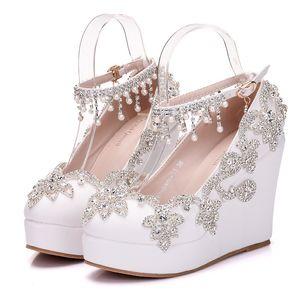 New Fashionl Cristal dedo do pé redondo sapatos para as mulheres sapatos de salto branco plataforma de moda beading sapatos de casamento sapatos de cunha calcanhar Plus Size sapatos de Noiva