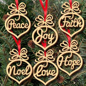 6 adet Ahşap Yılbaşı Ağacı Süsler Dekorasyon Küçük Hollow Kalp Kabarcık desen Kolye harfler Asılı Süsler Noel ampul Şekli