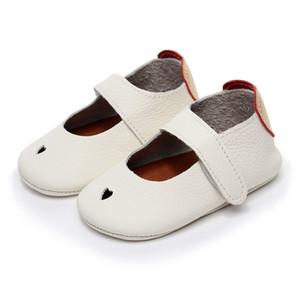 2018 yeni sıcak yaz hakiki Deri saf beyaz kalp şeklinde Yumuşak Ayakkabı İlk Yürüteç Bebek Kız Erkek Bebek Moccasins 0-2 yaşındaki