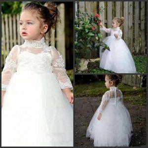 Schöne weiße Blumenmädchenkleider für Hochzeiten Lace High Neck Long Sleeves Baby Erstkommunion Kleider Tüll bodenlangen Kleinkind Festzug