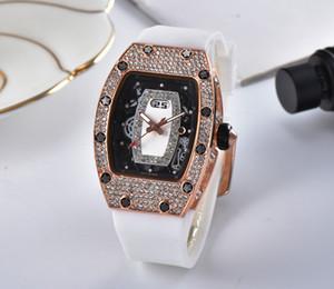 2018 nuevo conjunto de moda watchleisure sinfín reloj deportivo reloj de cuarzo de moda de ocio para hombres y mujeres2