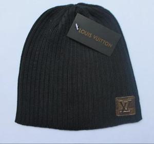 Hombres Sombreros de invierno Sombrero de punto de mujer Sombrero de gorra Caps Baggy Marca Sombreros de invierno de mujer para hombre de lana caliente Skullies Beanie Nuevo