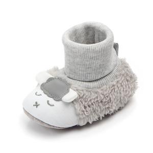 Baby First Walking Boots Newborn Nefant Floor Inverno Super caldo Slip-on Soft Baby Stivaletti Stivaletti Scarpe Cartoon Agnello