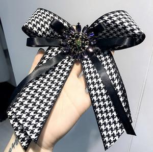 2018 Nuovo design tessuto fiocco spille per le donne cravatta stile spilla pin abito da sposa camicia spilla pin accessori fatti a mano regali di moda