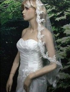 2018 Yeni Yüksek Kalite Uzun Beyaz Fildişi Düğün Peçe Aplikler Dantel Boncuklu Gelin Veils Gelin Düğün Aksesuarları Gelinlik Için QC1193