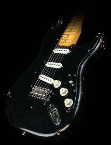 Özel% 100 El İşçiliği David Gilmour Siyah Strat Ağır Relic ST Elektro Gitar Vintage Krom donanım, Sarı Yaşlı Boyun, Tremolo Köprü