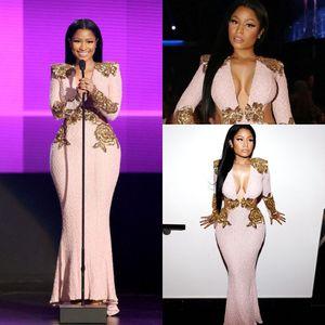 Ispirato al Festival di Cannes del 2018 Nicki Minaj Abiti da sera celebrità Vestito da cerimonia con collo a sirena scollo a V in pizzo con scollo a cuore rosa