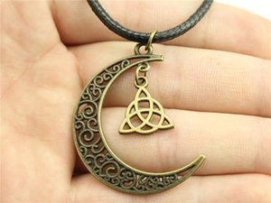 WYSIWYG 5 Pieces Leather Chain Necklaces Pendants Choker Collar Women Necklace Jewelry Triquetra Symbol 16x14mm N6-A11573-A10332