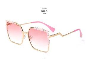 Occhiali da sole Lega di lusso Donne Full Frame Elegante Frame PC Square uv400 occhiali da sole antiriflesso con custodia Polaring Occhiali da sole Spedizione gratuita
