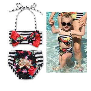 2018 Summer Children Bikini Maillot de bain à rayures noires et blanches Bow Halter Hanging Neck Tops Deux pièces Maillots de bain Maillots de bain pour enfants