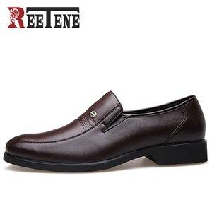 REETENE Mode Business Dress Hommes Chaussures 2018 Nouveau Classique En Cuir Hommes Costumes Chaussures Mode Slip On Dress Chaussures Hommes Appartements