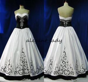 Vintage Gothic Wedding Dresses Black And White Formal Embroidery 2018 Sweetheart Zipper Formal Long Vestidos De Novia plus size wedding gown