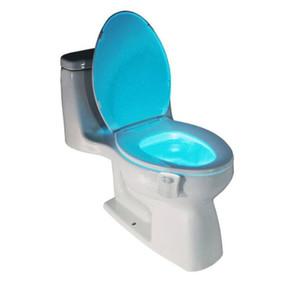 1 قطع البير استشعار الحركة المرحاض مقعد الجدة بقيادة مصباح 8 ألوان السيارات تغيير ضوء الأشعة التعريفي السلطانية للحمام الإضاءة
