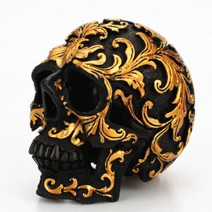 10 CM Reçine Zanaat Kafatası Şekil Heykel Masası Süsler-Orta Boy Siyah Altın Ton Çiçek Oyma Reçine Ölü Kafatası Cadılar Bayramı Ev Dekor