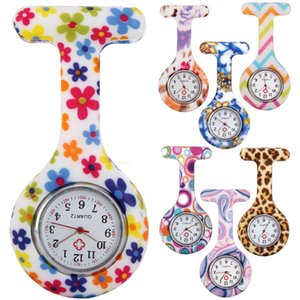 al por mayor de moda unisex redonda para Enfermera Pin dama de caucho de silicona de camuflaje reloj de cuarzo relojes de caramelo leopardo de la cebra de la flor de bolsillo