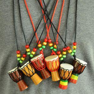 Djembe de Madeira Instrumento Musical Colar Moda Africano Drum Archaize casaco cadeia de Aniversário / Presente de Natal Frete grátis