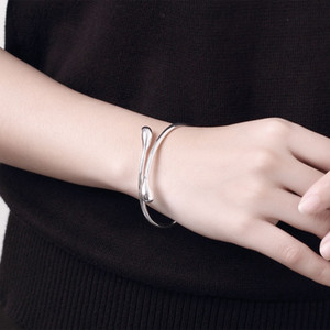 Elgant Simple Bracelet Femme 100% Brand New And High Quality Women Fashion Bracelet Anel Jewelry Accessories ove bangle Charms CHB005