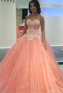 Pleated Tulle Engagement Quinceanera Dresses Peach Lace Applique Ball Gowns Sexy 16 Dresses with Sequins Bodice