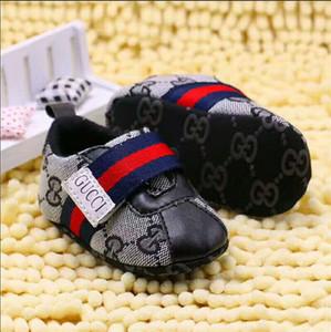 HOT! 패션 브랜드 아기 소년 소녀 우선 워커 아기 실내 비 슬롭 유아 신발 f886
