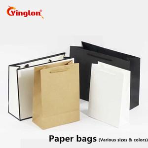 10 pçs / lote Preto Branco Saco De Papel Kraft Saco Do Presente Com Alças Recicláveis Loja Loja de Embalagem Material Amigável
