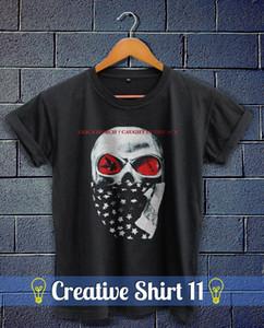 Eric Church Atrapado en el ACT 2016 Unisex Black T Shirt Holdin 'My Own Tour