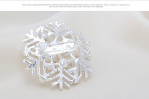 Silver Snow Flower Brooches Imitation Pearls Snowflake Brooches Pins For Women Scarf Pins Jewelry