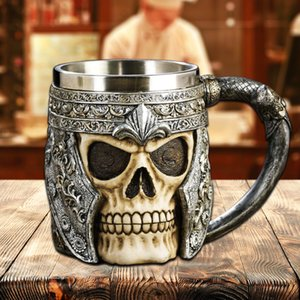 3D Resin Skull Mug Krug Striking Skull Warrior Krug Beer Cup Kaffeetasse Gothic Helm Drink Knight Schiff Halloween