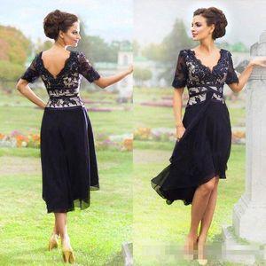 Lacivert Şifon Dantel Diz boyu Anne Gelin Elbiseler 2017 Yaz Plaj Düğün Parti Elbise Yarım Kollu Artı Boyutu Ucuz Kıyafeti