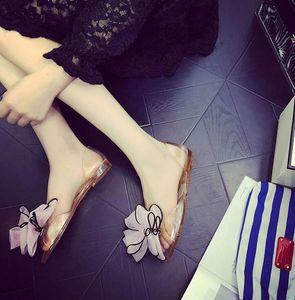 2018 Nouvel été Sandales Femme Bowk Rose Fleurs Transparent Cristal Bas Gelée Chaussures Poisson Bouche Chaussures Plat Sable Plage Frais Pantoufles