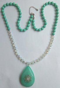 Nuova collana di perline floreale per le donne grande pietra resina a goccia con sfaccettato collana di perle di Gass perline per ragazze multi colori opale